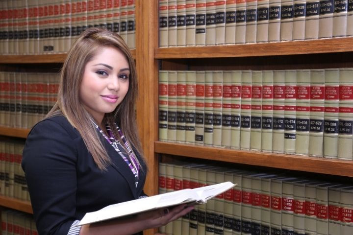 What Is Paralegal Studies?   Choosing the Right Paralegal Education Program For You