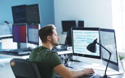 5 Reasons to Enroll in an IT Associates Degree Program